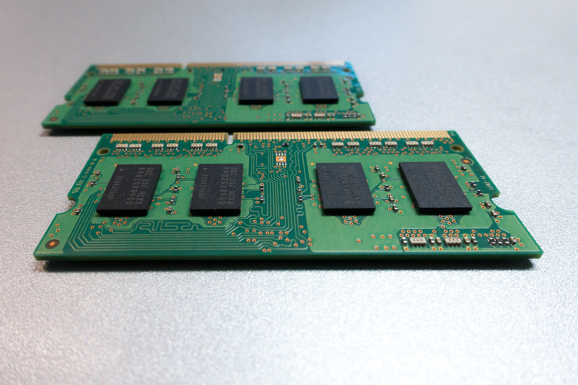 【初心者でもわかる!DTM用パソコンの選ぶポイントはこれだ!】CPU・メモリ・OS。DTMにとって重要なPCのスペック、選び方を解説①